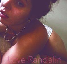você pode me ver em meus shows ao vivo  sempre livre para me assistir  www.JustRandalin.com  Snapchat: LoveRandalin