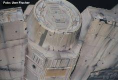 Falcon_untenMitte01.jpg 750×510 pixels