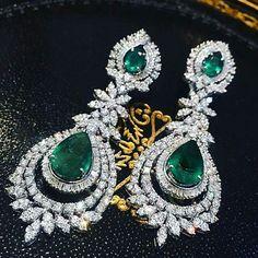 Earrings – Page 9 – Modern Jewelry Emerald Jewelry, Diamond Jewelry, Gold Jewelry, Jewelery, Fine Jewelry, Luxury Jewelry, Modern Jewelry, Diamond Earrings Indian, Diamond Choker