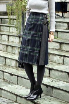 WEB限定予約O'NEIL OF DUBLINクレイジーパターンベルト付スカート