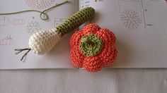 verduras. Patrón de http://www.latiendadedmc.com/kit-de-amigurumi-frutas-y-verduras-cr027k-2416.html