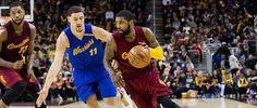 No universo da NBA, é como se Cleveland Cavaliers e Golden State Warriors estivessem numa galáxia muito, muito distante, muito à frente dos outros rivais. A partir desta quinta-feira (1º), em uma série melhor de sete, as duas equipes se enfrentam pelo título pelo terceiro ano seguido -uma...
