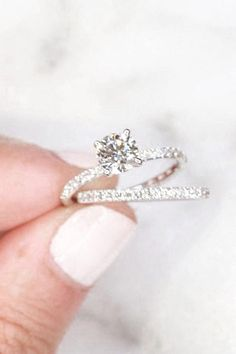 Cute Rings, Pretty Rings, Wedding Goals, Dream Wedding, Wedding Stuff, Wedding Ideas, Diamond Wedding Rings, Wedding Bands, Beautiful Wedding Rings