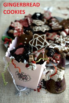 Gingerbread Cookies with Carob Syrup - Kopiaste.to Greek Hospitality Holiday Snacks, Christmas Desserts, Christmas Cookies, Chocolate Wafers, Chocolate Biscuits, Gingerbread Cookies, Gingerbread Men, Coloured Icing, Recipes