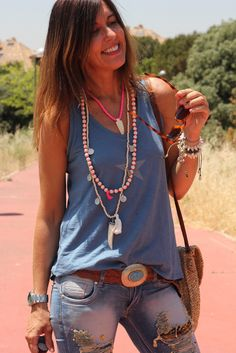 T-shirt by The Amity Company and layered tassel necklace for a modern hippie boho flair. FOLLOW https://www.pinterest.com/happygolicky/the-best-boho-chic-fashion-bohemian-jewelry-gypsy-/ for the BEST Bohemian fashion trends now.