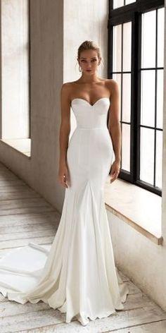 Fancy Wedding Dresses, Minimalist Wedding Dresses, Classic Wedding Dress, Perfect Wedding Dress, Designer Wedding Dresses, Bridal Dresses, Wedding Gowns, Contemporary Wedding Dresses, Strapless Wedding Dresses