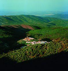 Almonaster la Real. Panorámica. Sierra de Aracena y Picos de Aroche. Huelva. Spain.  #deRutaporHuelva