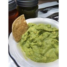 Yummy Guacamole at @granelectrica ! #mexican #guac #guacamole #foodporn #DUMBO #brooklyn #nyc www.dumbolifeandstyle.com