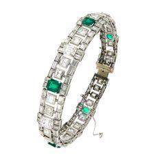 Bracciale in platino con diamanti e smeraldi #gioielleria #curnis #bergamo #bracciale #bracelet #jewelry #diamonds #smeraldi #jewels #