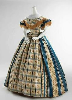 American silk evening dress 1857-1860.