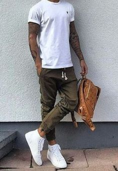 Men's Street Style Outfits for Cool Guys 08 Mens Fashion 2018, Stylish Mens Fashion, Mens Fashion Blog, Fashion Shirts, Fashion Online, Style Fashion, Outfit Hombre Casual, Casual Outfits, Men Casual