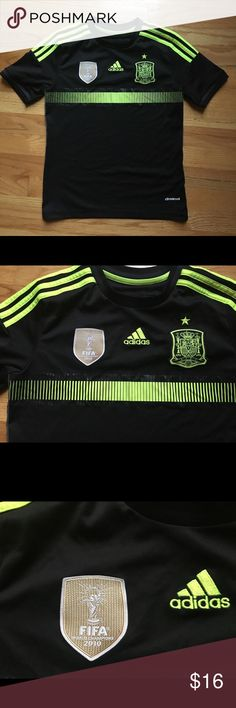 Adidas Climacool Spain FIFA 2010 Jersey Yth M Adidas Climacool Spain FIFA World Cup 2010 world champions soccer jersey size youth medium. Like new, Excellent Condition. Black with yellow trim. Smoke free, pet free, home. adidas Other