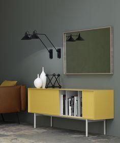 Das Retro Sideboard Reverse von Novamobili ist schlicht und geradlinig im Design.  #Sideboard #Wohnzimmer #Anrichte #Büfett #livingroom #inspiration #wohntrend #wohnideen #modern #Esszimmer #diningroom #Einrichtungsideen #wohnen #home #Novamobili #Livarea #interiordesign #interiordecorating #Retro #Retromöbel #Design #Möbel