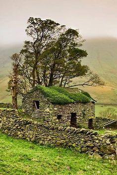 Stone Barn, Yorkshire Dales, England. by Gary Kenyon