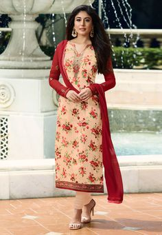 Kritika kamra bollywood style peach partywear straight cut suit online which is crafted from brasso fabric with exclusive embroidery and digital print. This bollywood style designer straight cut suit comes with santoon bottom and chiffon dupatta. Designer Suits Online, Indian Designer Suits, Designer Salwar Suits, Designer Wear, Bollywood Dress, Bollywood Fashion, Bollywood Style, Bollywood Celebrities, Churidar Suits