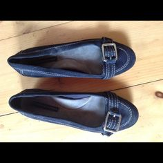 Tommy Hilfiger Navy Blue Ballet Flats, size 8 Navy blue suede with silver buckles on the toes. Cushioned soles. Worn only a few times, no wear and tear visible besides on the soles (photographed). Size 8 Tommy Hilfiger Shoes Flats & Loafers