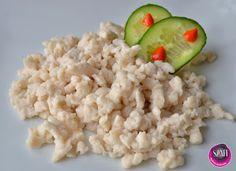 Ismét egy kívánság recept a terítéken. :) Ezt a nokedlit ajánlom tejérzékenyeknek, tojásallergiásoknak, gluténérzékenyeknek, paleosoknak és vegánoknak is, ugyanis tojásmentes, tejmentes, gluténmentes, szójamentes, és szerintem nagyon finom és laktató galuska vagy nokedli.       Tojásmentes pa Lunch Recipes, Cooking Recipes, Atkins, Gnocchi, Food And Drink, Rice, Cheese, Vegan, Dinner