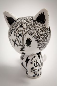 Vinyl Toy by Oliver Hambsch-cute!