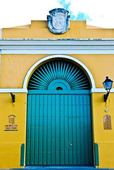 Turquoise Blue and Yellow Entrance and door San Juan, Puerto Rico The Doors, Cool Doors, Unique Doors, Windows And Doors, Old San Juan, When One Door Closes, San Juan Puerto Rico, Door Gate, Grand Entrance