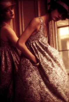 Fragrant Blossoms - Sarah Moon for Cacharel, 70s Fashion, Fashion History, Fashion Beauty, Autumn Fashion, Vintage Fashion, Fashion Trends, Jeans Fashion, Fashion Hacks, Bohemian Fashion