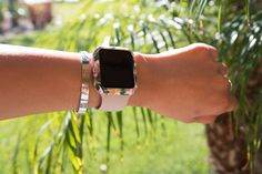 Floral Pattern for Apple Watch (Future Tech Apple Watch) Apple Watch Iphone, Apple Watch 42mm, Apple Watch Series, Apple Watch Accessories, Tech Accessories, Fashion Accessories, Apple Band, Apple Watch Faces, Apple Products