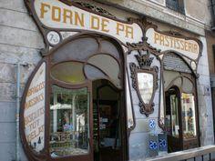 Botigues antigues de Barcelona by Jaume Meneses, via Flickr