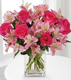 The vibrant deep pink roses in this bouquet are beautiful. Beautiful Roses Bouquet, Pink Rose Bouquet, Beautiful Flower Arrangements, Wedding Flower Arrangements, Flower Centerpieces, Flower Bouquet Wedding, Flower Vases, Flower Decorations, Pink Flowers