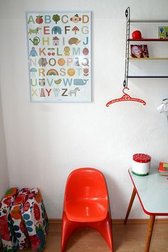 Dětský pokoj Class Auction Projects, Boy Toddler Bedroom, Abc Poster, Home And Garden, Boy Bedrooms, New Homes, Chair, Furniture, Home Decor