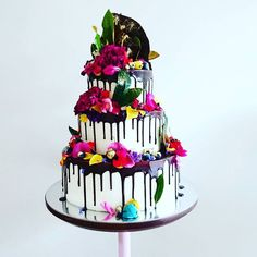Another gorgeous ganache drip buttercream wedding cake from Unbirthday Bakery of Sydney, we ❤ this! moncheribridals.com