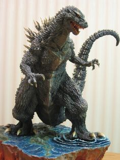 "kaijusaurus: "" "" My Majestic Beast for Herlinde by *Legrandzilla "" "" Godzilla Figures, Godzilla Toys, Cool Monsters, Classic Monsters, Giant Monster Movies, Godzilla Wallpaper, Classic Horror Movies, Mecha Anime, Dinosaur Art"