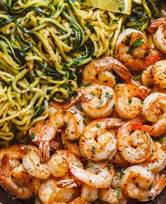 Lemon Garlic Butter Shrimp with Zucchini Noodles - This fantastic meal cooks in one skillet in just 10 minutes. Low carb, paleo, keto, and gluten free. dinner ideas Lemon Garlic Butter Shrimp with Zucchini Noodles Lemon Zucchini, Healthy Zucchini, Healthy Food, Steak Butter, Seafood Recipes, Keto Recipes, Cooking Recipes, Dinner Recipes, Easy Shrimp Recipes