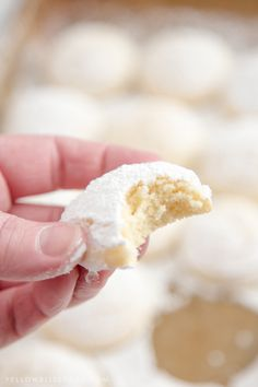 Cheesecake Cookies - A creamy, tender and delicious cookie that's a not too sweet but totally addictive dessert! People say about this recipes; Poke Bol, Plats Weight Watchers, Biscuits, Macarons, Cheesecake Cookies, Baileys Cheesecake, Yummy Cookies, Quick Cookies, Cheese Cookies