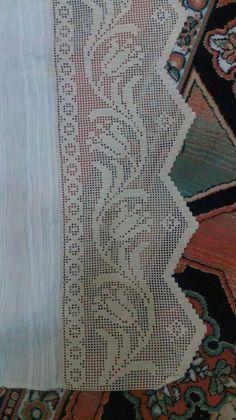 Barra para uma toalha de mesa, remate de cortina ou barra para toalha de altar.