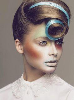 28 trendy ideas for fashion show makeup avant garde hair Hair Fashions – Hair Models-Hair Styles Make Up Looks, Creative Hairstyles, Up Hairstyles, Fashion Hairstyles, Avant Garde Hairstyles, Studio Hair, Fashion Show Makeup, High Fashion Hair, Runway Hair