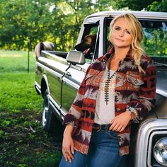 If you haven't shopped Miranda Lambert's Idyllwind collection at Boot Barn, what are you waiting for! There's not one item in the collection that we wouldn't want to put on our Christmas wish list! Hot Country Girls, Country Women, Country Music, Country Singers, Country Artists, Country Outfits, Western Outfits, Miranda Lambert Photos, Turquoise Fashion