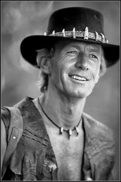Paul Hogan, Australian actor famously known for his role in Crocodile Dundee. Lightning Jack was Paul Hogans least successful movie. Australian Slang, Australian Actors, Paul Hogan Crocodile Dundee, Cinema Tv, Portraits, Actrices Hollywood, Star Wars, Movie Characters, Great Movies