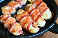 Bacon Wrapped Chicken Strips: Juicy chicken tenders glazed with a combination of maple syrup and Dijon mustard and wrapped in thick applewood bacon. Banting Recipes, Paleo Recipes, Great Recipes, Cooking Recipes, Favorite Recipes, Honey Recipes, Chicken Wraps, Bacon Wrapped Chicken Tenders, Chicken Bacon