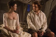 Claire Randall (Caitriona Balfe), Jamie Fraser (Sam Heughan) - Claire in chemise, stays and under skirt
