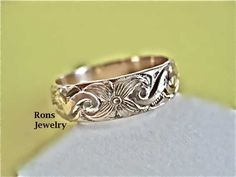 Floral Design Band, Art Nouveau, Ring, via Etsy.