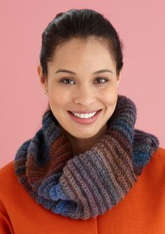 Free Crochet Pattern L0427Q Fast and Easy Cowl : Lion Brand Yarn Company