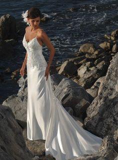2011 Elegant Satin Strapless Court Train Beach Wedding Dress   more strapless beach wedding dresses from poplarwedding.com     modelgelin.com
