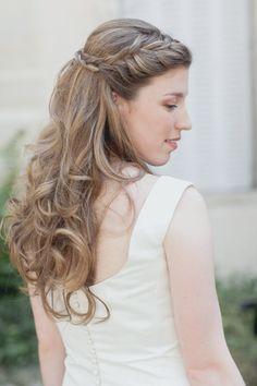 Bridal hair perfection: http://www.stylemepretty.com/destination-weddings/2015/02/25/romantic-french-wedding-at-chateau-de-brognon/   Photography: Sophie Marie - http://sophiemariephoto.com/