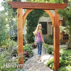 Build a Garden Arch: A small project that makes a big impression in your backyard.This classic garden arch has just six parts and can be built in less than a day. Create a gateway, frame a walkway in a hedge, or make it part of a trellis or pergola. Outdoor Projects, Garden Projects, Garden Ideas, Diy Projects, Garden Archway, Garden Entrance, Classic Garden, Garden Modern, Garden Structures
