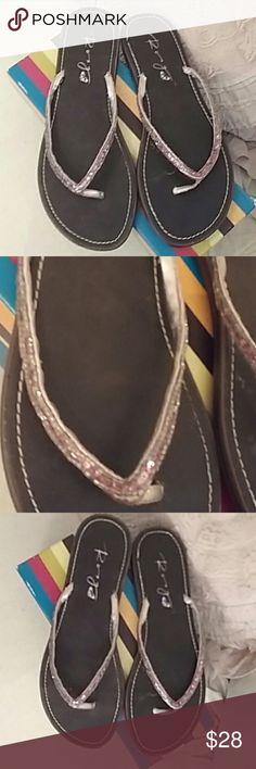 Roxy Pink Sequin Flip Flops size 9 Roxy Pink Sequin Flip Flops size 9 great condition in box Shoes Sandals