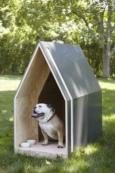 10 Architects Create Stylish Doghouses—for a Good Cause - Architectural Digest Modern Dog Houses, Cool Dog Houses, Dog Toilet, Dog House Plans, Design Jardin, Wood Dog, Cat Condo, Pet Furniture, Animal Shelter