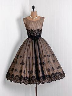 when women wore beautiful feminine dresses
