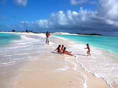 Los Roques - Venezuela. Discover The Caribbean Paradise through #LosRoquesGuide…