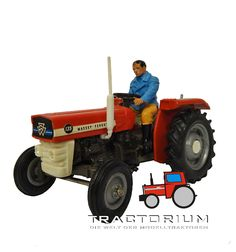 Box Britains 9520 Massey Ferguson 135 Traktor 1/32