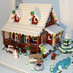 Welcome to our Family Winter Cabin! Whether you prefer kicking back in front of the fireplace or engaging in a variety of winter sports, the Family Winter Cabin has something for everyone. Take a closer look yourself! The Family… Lego Christmas Village, Lego Winter Village, Christmas Tree, Family Christmas, Christmas Decor, Lego Advent Calendar, Winter Cabin, Lego House, Lego Projects