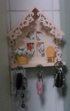 Porta chaves, aluna Lourdes